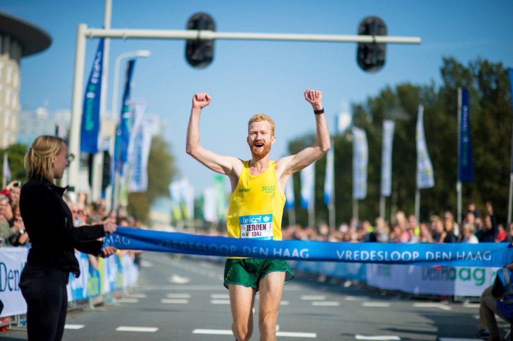 Jeroen van Aken wint Vredesloop Den Haag 2017