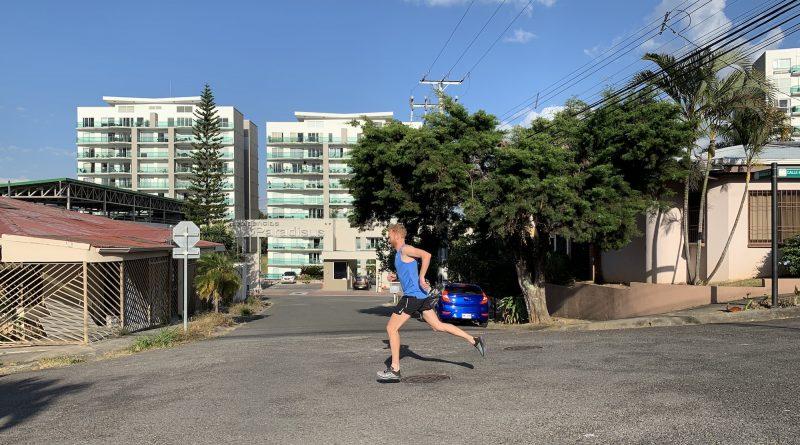 Jeroen hardlopen in Costa Rica Haagse Bluf - You-Run